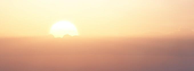 Sonnenuntergang hinter Wolken